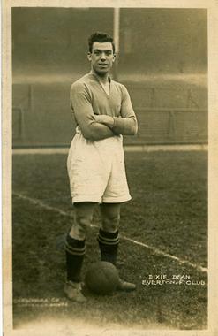 William Dean sous le maillot d'Everton