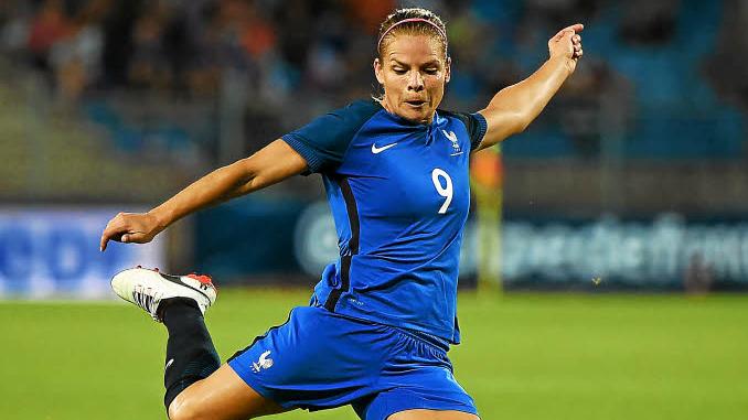 Actu foot - Eugénie Le Sommer sous le maillot de l'équipe de France féminine