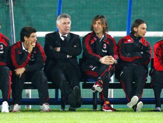 Ancelotti et quelques modestes joueurs de football (Crédits : Ryan Pierse/Getty Images)