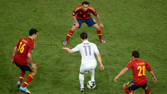 Pressing serré des Espagnols (Crédits : Jasper Juinen/Getty Images Europe)