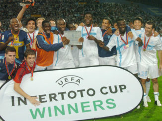 Pape Diouf, qui nous a quittés cette semaine, commençait son règne à l'OM par une victoire en Coupe Intertoto (Crédits : PA Images)